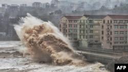 حکام کی جانب سے طوفان سے متعلق پیشگی وارننگ جاری کر دی گئی تھی۔