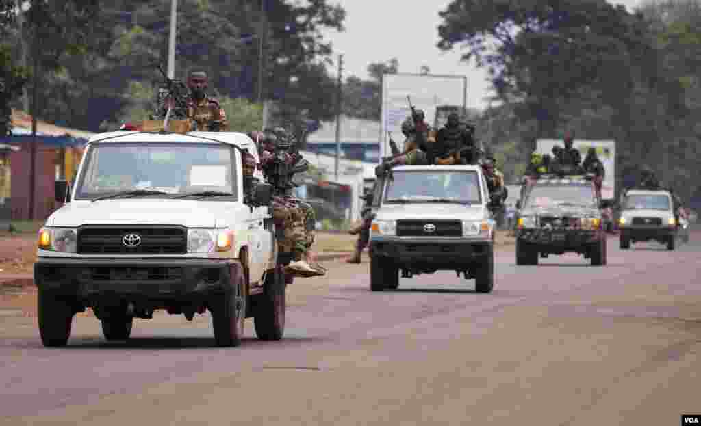 A convoy of Seleka soldiers patrol in Bangui, Central African Republic, Dec. 6, 2013.