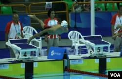 中国游泳选手马日欣2017年8月23日参加台北世大运男子800米自由式比赛 (美国之音黎堡摄)