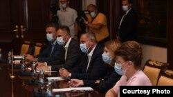 Sastanak u Vladi Republike Srpske sa predstavnicima kineske kompanije. (Foto: Vlada RS)