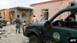 Hiện trường sau vụ tấn công nhắm vào khu dinh thự của Tỉnh trưởng Parwan Abdul Basir Salangi, ngày 14/8/2011