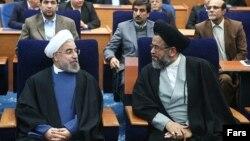 محمود علوی، وزیر اطلاعات در کنار حسن روحانی - آرشیو