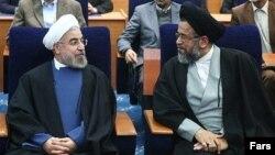 محمود علوی، وزیر اطلاعات در کنار حسن روحانی رئیس جمهوری اسلامی ایران
