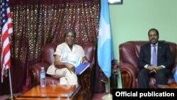 Madaxweyne Xasan iyo Ambassador Linda