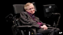 Hawking ha sido un pionero en los esfuerzos por desentrañar los secretos del universo y revolucionado la astrofísica.