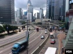 2019年6月22日的香港金鐘幹道交通無阻昨天這裡有很多學界抗議者(美國之音記者申華拍攝)