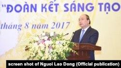 """Thủ tướng Nguyễn Xuân Phúc tại lễ công bố """"Sách Vàng Sáng tạo Việt Nam năm 2017"""", Hà Nội, 28/8/2017"""