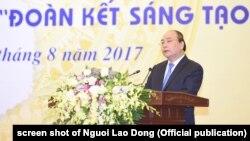 """Thủ tướng Nguyễn Xuân Phúc nói Vingroup """"yêu nước""""."""
