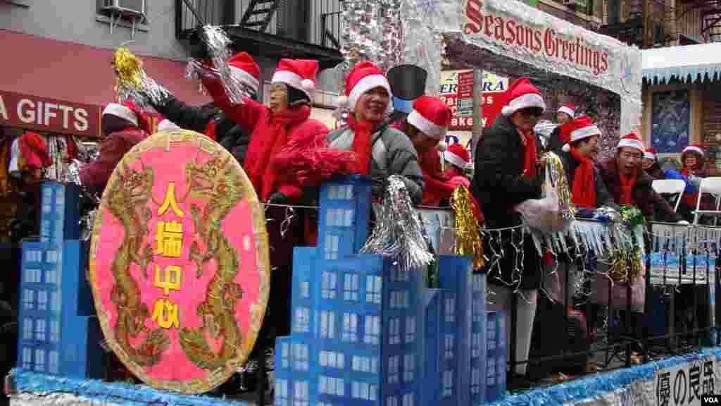 华埠老人中心耆老祝大家圣诞快乐