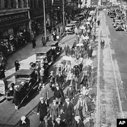 1935年,新泽西州失业的工会会员在游行