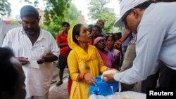 Во Индија - помош за најзагрозените