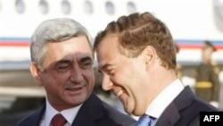 Սերժ Սարգյանն ու Դմիտրի Մեդվեդևը` Ռուսաստանի նախագահի 2010 թվականի օգոստոսի 19-ին Երևան կատարած այցի ընթացքում (արխիվային լուսանկար)