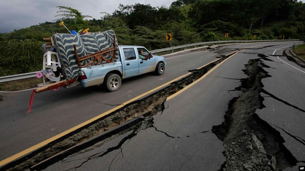 El terremoto, de magnitud 7,8 provocó la muerte de 633 personas y graves daños en decenas de poblaciones, principalmente en las ciudades de Manta, Portoviejo y Pedernales.
