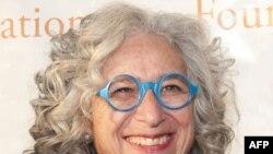Bác sĩ Jane Aronson, người sáng lập Quĩ vì Trẻ em Mồ côi Toàn cầu (WWO), được Glamour bình chọn là Người phụ nữ của năm 2009