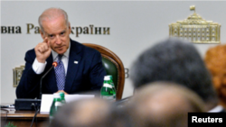 Wapres AS Joe Biden mengumumkan bantuan tambahan 50 juta dolar bagi Ukraina di Kyiv hari Selasa (22/4).