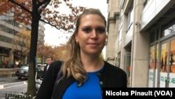Ida Sawyer dans les rues de Washington, le 29 novembre 2016 (VOA/Nicolas Pinault)