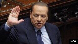 Los rumores sobre la posible renuncia de Berlusconi circulan en los mercados financieros.