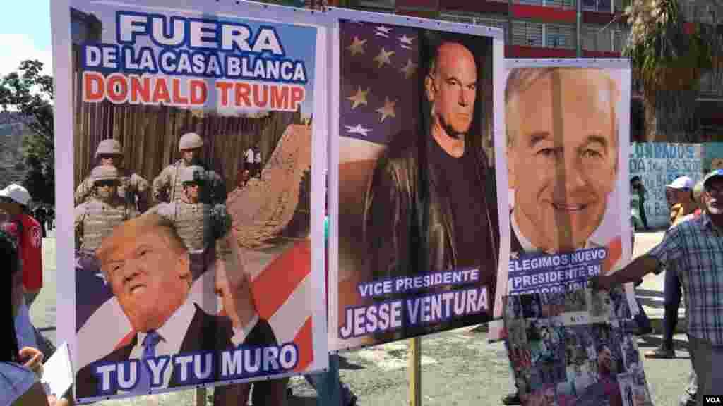 Muchos de los manifestantes pro Maduro estaban acompañados de pancartas con fotos del presidente en disputay del fallecido Hugo Chávez. Incluso, con algunas en contra del presidente estadounidense Donald Trump.