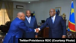 Mokonzi Félix Tshisekedi (D) ya Congo démocratique ayambi ministre Jean-Jacques Bouya (C) ya équipement ya terriotoire mpe ya misala ministre yaminene ya Congo-Brrazzaville na Cité ya Union africaine, Kinshasa, 22 août 2019. (Twitter/Présidence RDC)