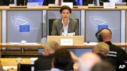 Bivša slovenačka premijerka Alenka Bratušek prilikom svedočenja u Evropskom parlamentu, Brisel, 6. oktobra 2014.