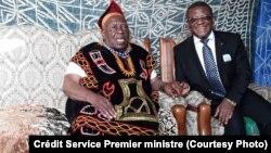 Le Premier ministre camerounais chez une haute autorité traditionnelle du nord-ouest du Cameroun. (Crédit: Service de communication du Premier ministre)