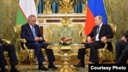 O'zbekiston Prezidenti Islom Karimov (chapda) Rossiya rahbari Vladimir Putin bilan, 26-aprel, Moskva