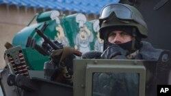 Ukrainian army soldier in Volnovkha