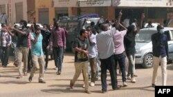 Des manifestants soudanais à Khartoum, le 7 février 2019.