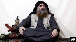 Pemimpin ISIS, Abu Bakr al-Baghdadi diperkirakan masih hidup dan kemungkinan berada di Suriah (foto: dok).