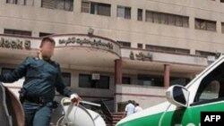 Tehranda peyk antenalarının yığılması davam edir