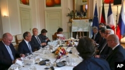 Menteri-menteri luar negeri Jerman, Perancis, Rusia dan Ukraina dalam pembicaraan di Berlin, Jerman (11/5).