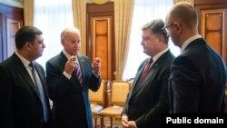 Фото з веб-сайту президента України. Грудень, 2015 рік