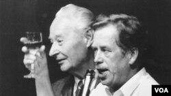 Havel i Aleksandar Dubček, 1989. .godine