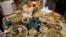 <div>اولین جشنواره استانی غذاهای محلی در آستانه شب یلدا در هتلی سنندج برگزار شد.<br /> عکس:محمد لطیف حسینی نسب</div>