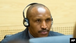 Bosco Ntaganda avant son audience à la Cour Pénale Internationale de La Haye.
