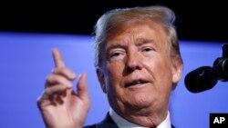 El presidente de EE.UU., Donald Trump, habló en una conferencia de prensa al final de la cumbre de la OTAN en Bruselas el jueves, 12 de julio de 2018.