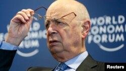 El presidente ejecutivo del Foro de Davos, Klaus Schwab, durante una conferencia de prensa en Suiza.