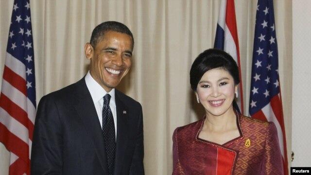 Prezident Barak Obama Tailand Bosh vazirasi Yingluk Shinavatra bilan uchrashuv chog'ida, Bangkok, 18-noyabr, 2012-yil.
