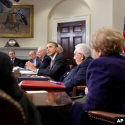 The President meets with national security experts on the New START treaty, White House Photo, Chuck Kennedy, 11/18/10