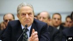 Amerikalik milliarder Jorj Soros - Ochiq jamiyat jamg'armasi homiysi