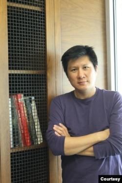 美国加州大学尔湾分校视觉及东亚研究教授金暻铉