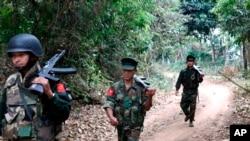 'Yan tawaye a yankin Kachin na Myanmar da suke fafatawar neman 'yanci.