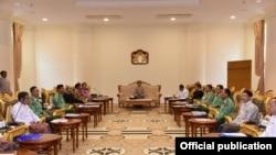 အစိုးရနဲ႔ စစ္ဖက္အႀကီးအကဲမ်ား ရခိုင္လံုၿခံဳေရးေဆြးေႏြး (Myanmar President Office)