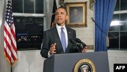 Predsednik Obama saopštava vest o postizanju sporazuma kojim je sprečena obustava rada federalne vlade, nešto pre ponoći 8. aprila 2011.