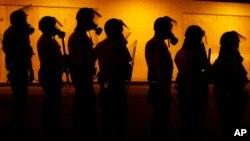 La nueva investigación examinará si la policía emplea políticas y prácticas que dieron lugar a un patrón de violaciones a los derechos civiles.