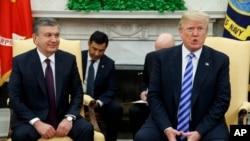 د امریکې صدر ډانلډ ټرمپ او د ازبکستان صدر شوکت میرضیایف په سپینه ماڼۍ کې