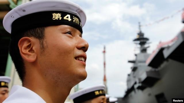 Thành viên của Lực lượng tự vệ hàng hải Nhật Bản.