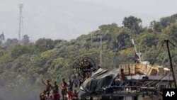 Tàu đánh cá của Philippines chạy gần bãi cạn Scarborough