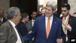 John Kerry à son arrivée en Egypte (AP)