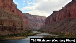 The Grand Canyon in the southwestern state of Arizona is one of the largest canyons in the world, attracting some 6 million visitors a year.